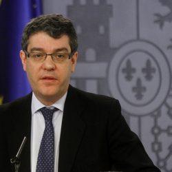 Álvaro Nadal, Ministro de Energía, pide no ir demasiado rápido en el sector del coche eléctrico