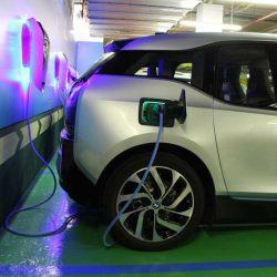BMW vende más coches eléctricos, e híbridos enchufables, que nunca