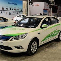 Los principales fabricantes chinos ponen fecha final a la producción de coches de combustión