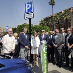 El Ayuntamiento de Murcia dará ayudas a la compra de coches eléctricos, e instalará puntos de recarga públicos
