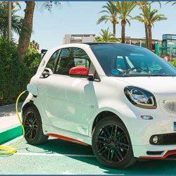 Daimler confirma que en 2020 Smart sólo venderá coches eléctricos en Alemania
