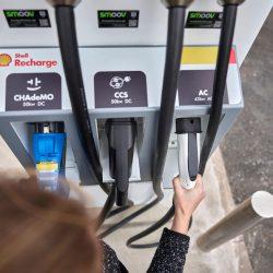 Shell Recharge. La petrolera que crea una división de recarga para coches eléctricos