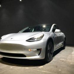 Nuevos documentos de la EPA muestran que Tesla está minimizando las prestaciones del Model 3. Autonomía, potencia de recarga…