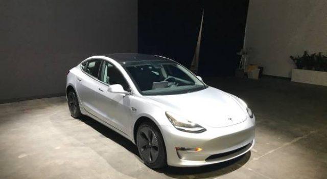 JP Morgan rebaja a la mitad su previsión de producción del Tesla Model 3 para el cuarto trimestre