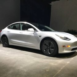 Tesla retrasa la llegada del Model 3 Standard a finales de 2018/principios de 2019