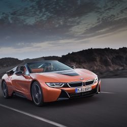 BMW presenta el i8 Roadster y actualiza el Coupe
