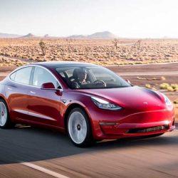 La revista Roadshow prueba el Tesla Model 3, y le da una puntuación muy alta (vídeo)