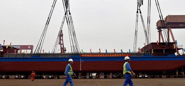 China pone en marcha un barco de mercancías 100% eléctrico con una batería de 2.400 kWh