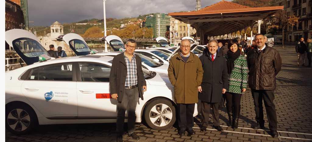 Hyundai ioniq taxi bilbao