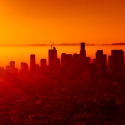 California quiere erradicar los coches de combustión. ¿Lo logrará?