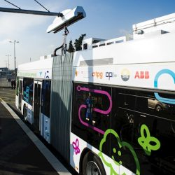 ABB presenta un innovador sistema de recarga ultra-rápida para vehículos pesados