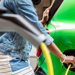 La autonomía media de los coches eléctricos en Estados Unidos ha crecido un 55% desde 2011
