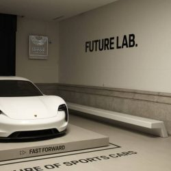 ¿Quieres ver de cerca el Porsche Mission E? Tenemos buenas noticias: está en Madrid, y visitar su exposición es gratis