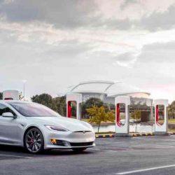 Los alemanes están empezando a sustituir sus Porsche y Mercedes por Teslas