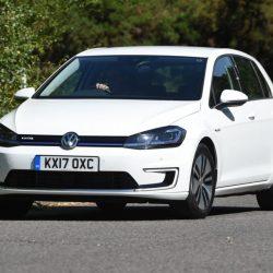 Auto Express hace una prueba de larga duración al Volkswagen e-Golf. Primeras impresiones: autonomía, recarga…