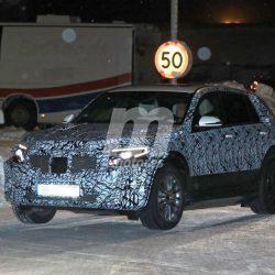 El Mercedes EQC definitivo hace su primera aparición fuertemente camuflado