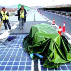 Roban una sección de la carretera solar inaugurada hace unos días en China