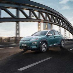 Presentado el Hyundai Kona eléctrico. Dos versiones, hasta 470 km de autonomía, 100 kW de carga y llegada a España este verano