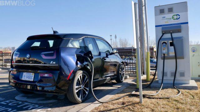 Punto de carga BMW eléctrico