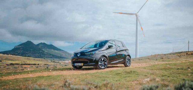 Renault crea en Portugal la primera isla inteligente: coches eléctricos, almacenamiento de energía estacionaria, recarga inteligente y V2G