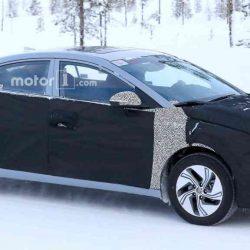 Avistado el Hyundai Elantra híbrido enchufable durante unas pruebas