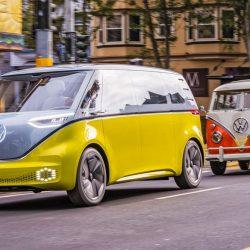 La Volkswagen I.D. Buzz se enfrenta a la clásica Volkswagen T1