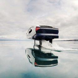 """SeaBubbles comienza a probar un taxi acuático """"hidroala"""" en Ginebra, Suiza"""