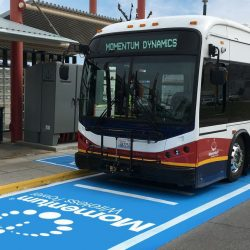 Se presenta el primer sistema de carga inalámbrico de 200 kW para autobuses eléctricos