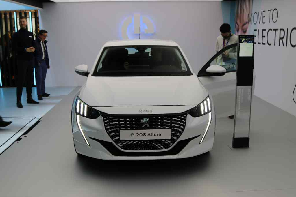 The Most Electric News Of Week Price Peugeot 208 Tesla Is First Car Brand In Spain For S