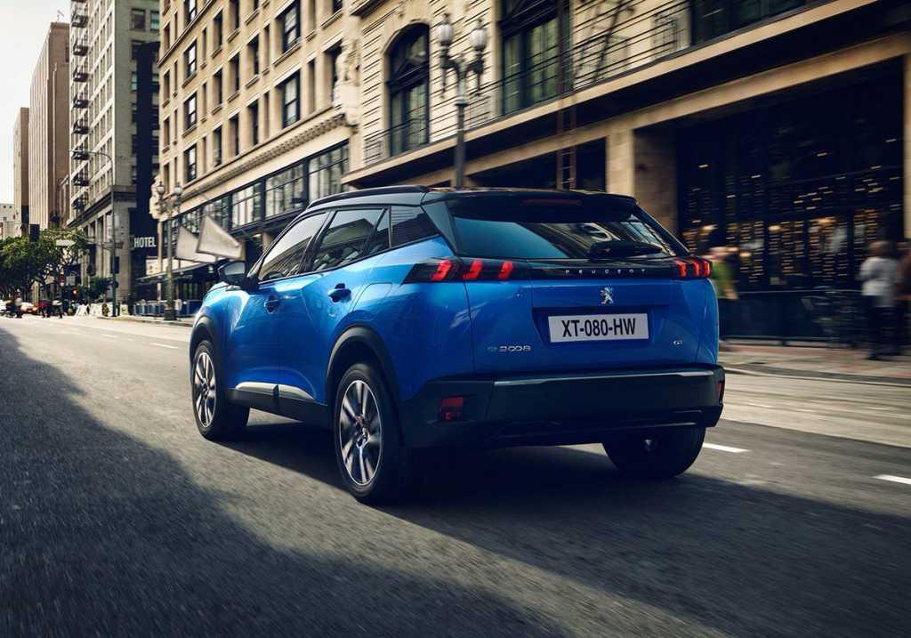 Opinión. ¿Debería Peugeot lanzar una versión del e-2008 con batería de 75 kWh?
