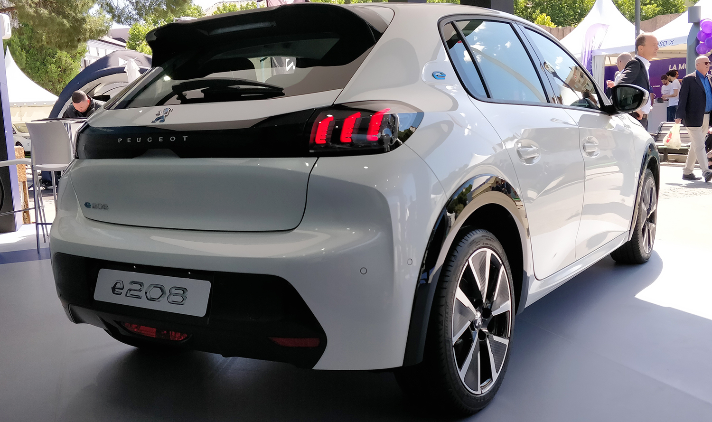 2019 - [Peugeot] 208 II (P21) - Page 38 VEM-Peugeot-e-208-8