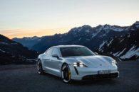 Presentado el Porsche Taycan: 751 cv de potencia y hasta 450 kilómetros de autonomía