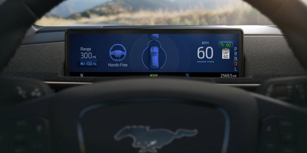 Ford Mustang Mach-E conducción autónoma manos libres