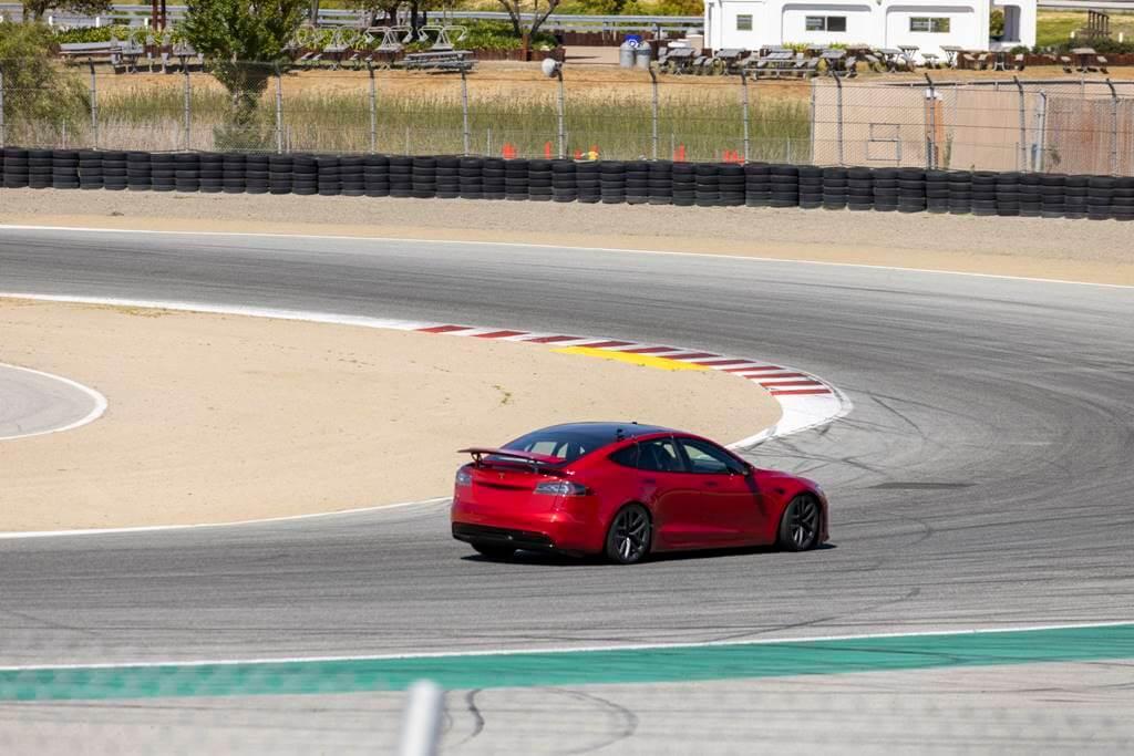 Tesla Model S en circuito
