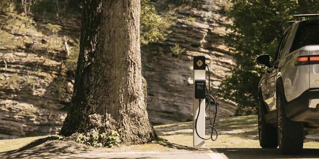 Rivian red de carga parques naturales
