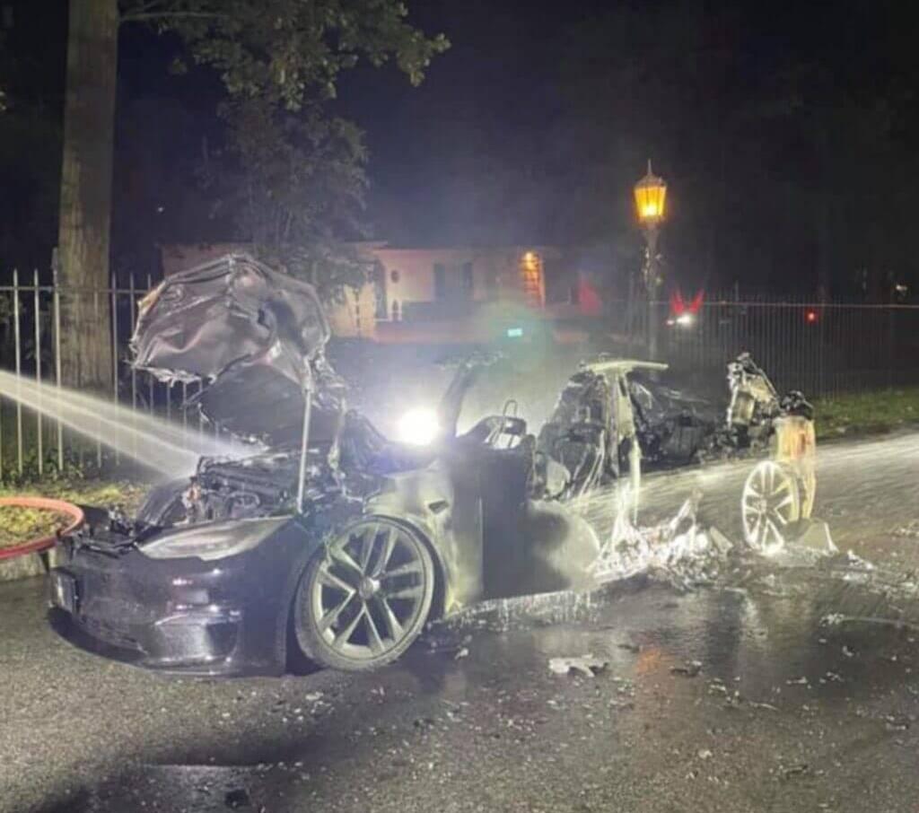 Tesla Model S Plaid incendio
