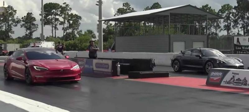 tesla model s plaid contra porsche Taycan turbo s