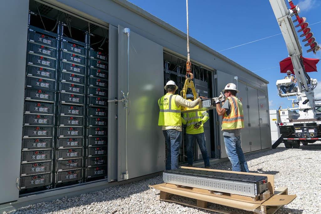 Instalación de baterías Florida Power and Light Company (FPL)