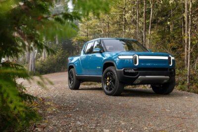 MotorTrend lo tiene claro: la Rivian R1T es mejor todoterreno que las pick-up de gasolina