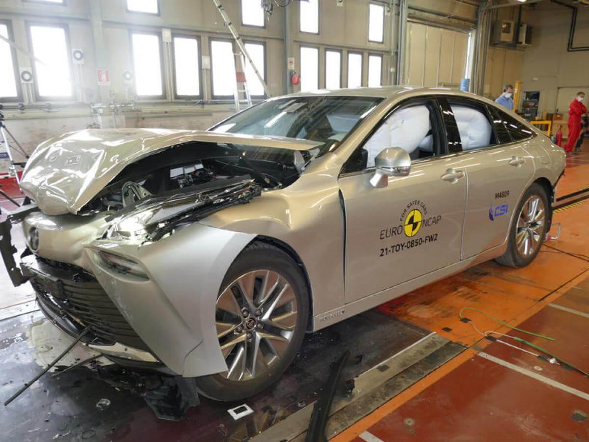 toyota mirai hidrogeno crash test euroncap