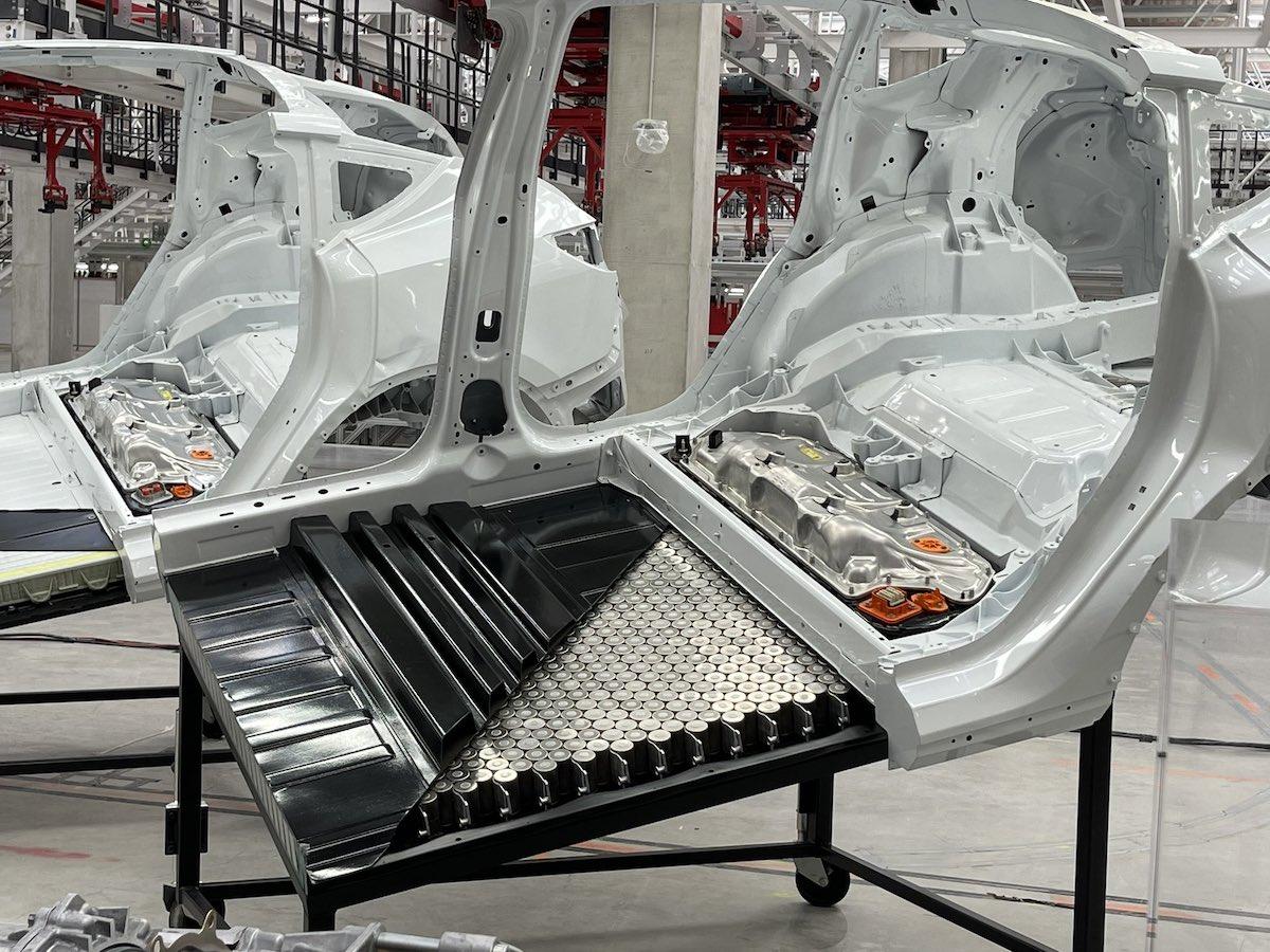 Tesla enseña durante la Giga Fest de Berlín el nuevo Model Y dotado de  baterías estructurales con celdas 4680 | forococheselectricos