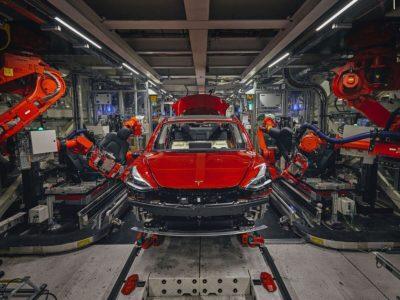 Tras anunciar el traslado de su sede a Texas, Tesla es criticada por el gobernador de California, que afirma que sin el apoyo del estado la empresa no existiría