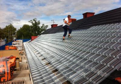 Tejas solares. Una alternativa para reducir la dependencia del gas y generar calor en las viviendas